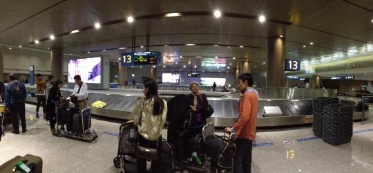 สนามบินอินชอน คนไม่เยอะเท่าสุวรรณภูมิครับ สบายๆ
